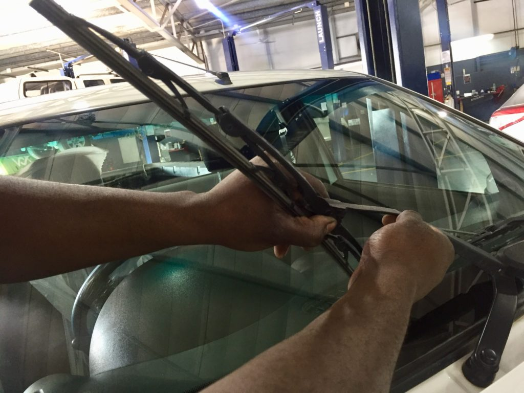 Change your windscreen wiper